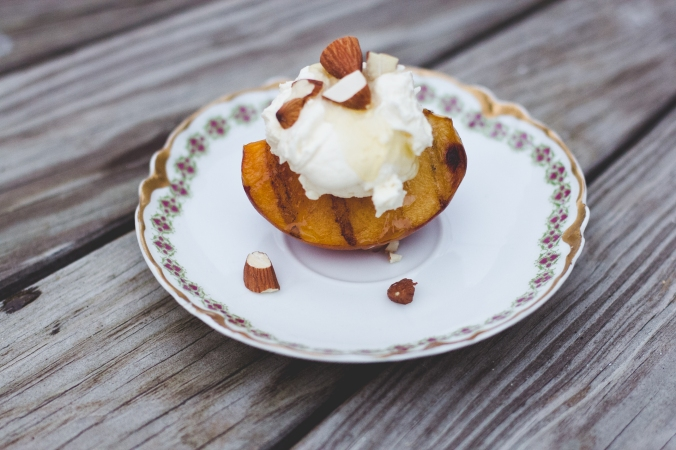 Grilled Peaches and Mascarpone Cheese